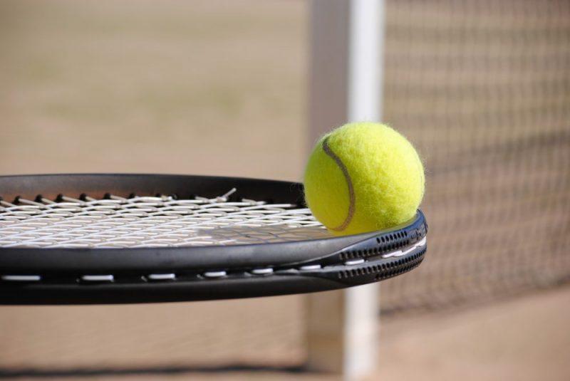 tennis-2042725_1920